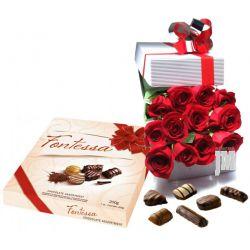 Cajas de rosas con chocolates y vino