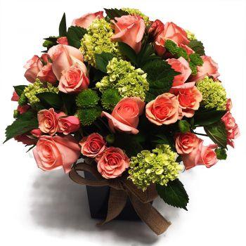 Arreglo con Rosas y Hortensias