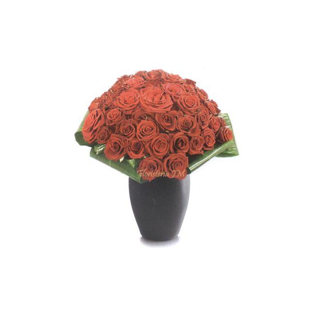 48 Rosas mas Hojas Verdes