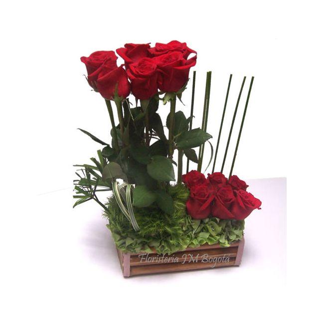 Arreglo Floral De 12 Rosas Dos Niveles 6 Y 6